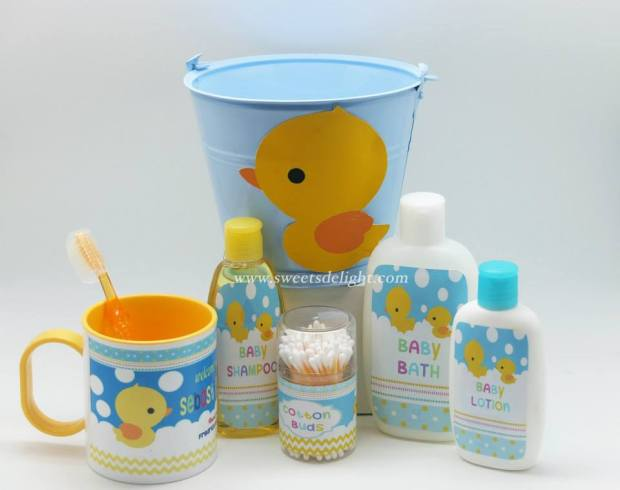 Baby toiletries bucket with mug - BD02